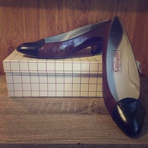 Pair of Pappagallo women's Brown Heels